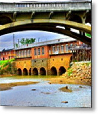 Columbia Canal At Gervais Street Bridge Metal Print by Lisa Wooten