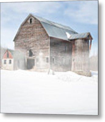 Snowy Winter Barn Metal Print by Gary Heller