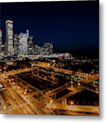 10th Floor View Of Chicago Skyline Metal Print by Sven Brogren