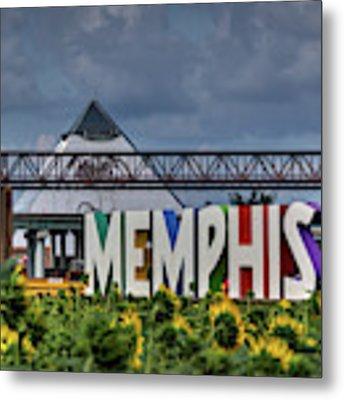 Mud Island Memphis Monument 002 Metal Print by Lance Vaughn