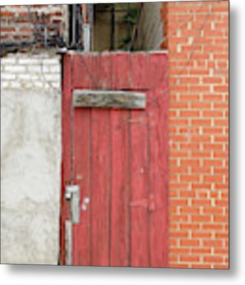 Red Alley Door Chinatown Washington Dc Metal Print by Edward Fielding