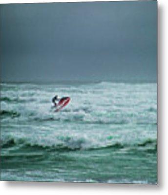 Shooting The Surf Metal Print by Judy Hall-Folde