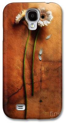 Loose Petals Photographs Galaxy S4 Cases
