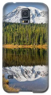Mount Rainier And Reflection Lakes In The Fall Galaxy S5 Case