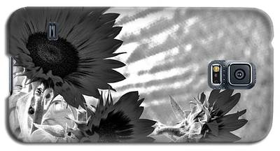 Black And White Flower Of The Sun Galaxy S5 Case