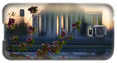 Jefferson Memorial Reflection With Cherry Blossoms Galaxy S5 Case