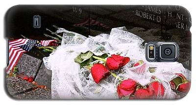 Roses In The Rain Galaxy S5 Case