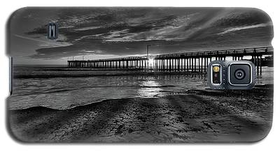 Sunrays Through The Pier In Black And White Galaxy S5 Case