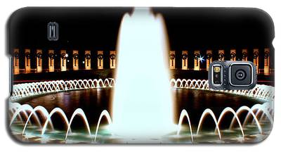 World War II Memorial And Fountain At Night Galaxy S5 Case
