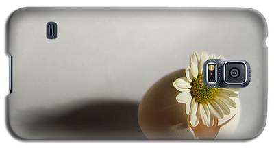 Hatching Flower Photograph Galaxy S5 Case
