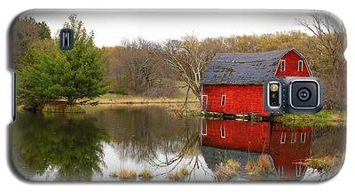 Red Barn Reflections Galaxy S5 Case