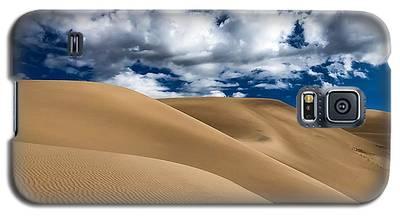 Sand Dunes Under A Blue Sky Galaxy S5 Case