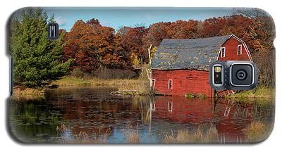 Sinking Red Barn In Fall Galaxy S5 Case