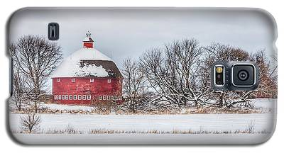 Snow Covered Round Barn Galaxy S5 Case