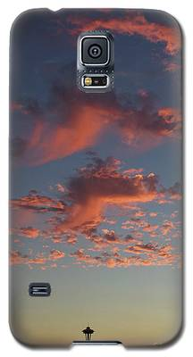 Space Needle And Pink Clouds Galaxy S5 Case