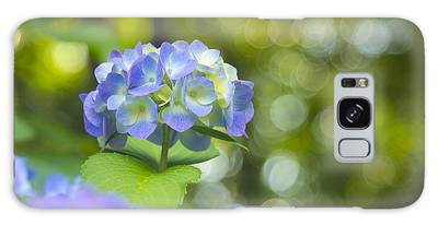 Beautiful Violet Hydrangea With Green Leaves And Bokeh Lights Galaxy Case