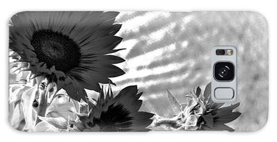 Black And White Flower Of The Sun Galaxy Case