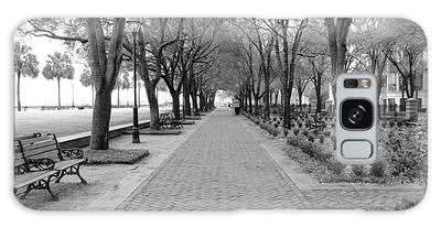 Charleston Waterfront Park Walkway - Black And White Galaxy Case