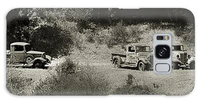 Gathering Black And White Galaxy Case