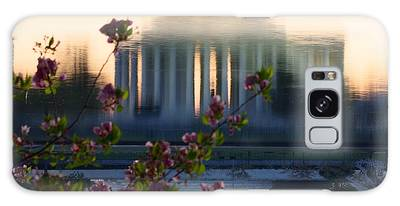 Jefferson Memorial Reflection With Cherry Blossoms Galaxy Case
