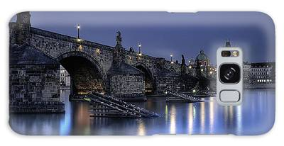 Galaxy Case featuring the photograph St Charles Bridge by Ryan Wyckoff