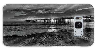 Sunrays Through The Pier In Black And White Galaxy Case