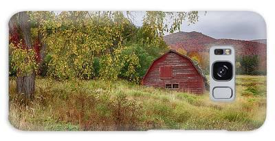 Adirondack Barn In Autumn Galaxy Case
