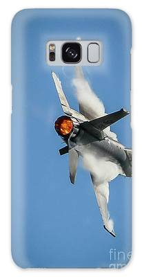 Galaxy Case featuring the photograph F-16 Banks Right by Tom Claud