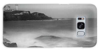 Galaxy Case featuring the photograph Maine Cape Neddick Lighthouse And Rocky Coastal Waves Bw by Ranjay Mitra