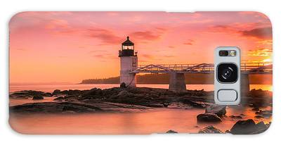 Galaxy Case featuring the photograph Maine Lighthouse Marshall Point At Sunset by Ranjay Mitra