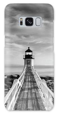 Galaxy Case featuring the photograph Maine Marshall Point Lighthouse Vertical Panorama In Black And White by Ranjay Mitra
