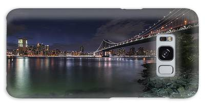 Manhattan Bridge Twinkles At Night Galaxy Case