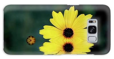 Mellow Yellow Galaxy Case