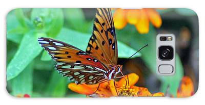 Galaxy Case featuring the photograph Monarch Butterfly Resting by Cynthia Guinn