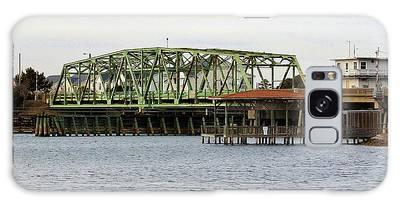 Galaxy Case featuring the photograph Surf City Swing Bridge by Cynthia Guinn