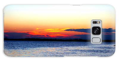 Galaxy Case featuring the photograph Radiant Sunset by Cynthia Guinn