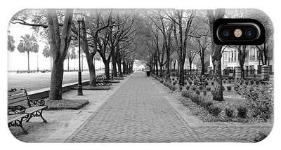 Charleston Waterfront Park Walkway - Black And White IPhone Case