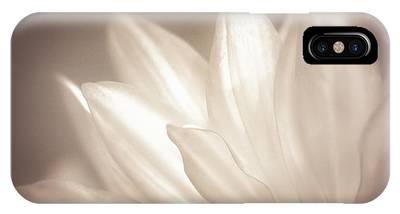 Close Focus Floral iPhone Cases