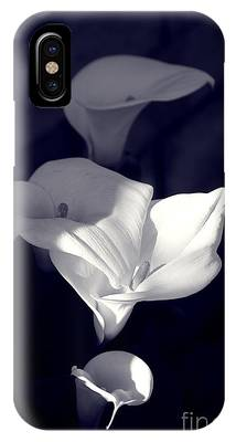 IPhone Case featuring the photograph Four Calla Lilies In Shade by Richard J Thompson