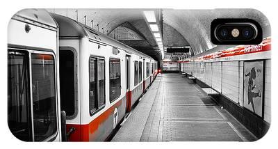 Passenger Photographs iPhone X Cases