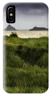 Le Mont Saint-michel Et Tombelaine IPhone Case