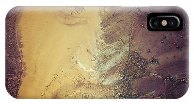 IPhone Case featuring the photograph The Colours Of Longreef by Chris Cousins
