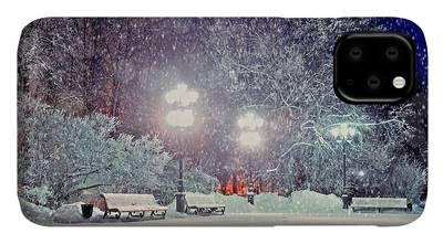 Winter Night 2 iphone case