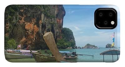 Travel iPhone 11 Pro Max Cases