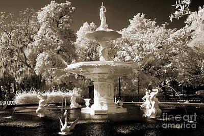 Forsythe Fountain Savannah Posters