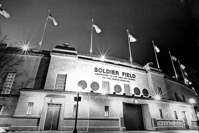 0879 Soldier Field Black And White Poster