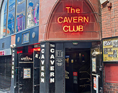 Entrance To The Cavern Club In Mathew St Liverpool Poster by Ken Biggs