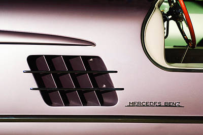 1955 Mercedes-benz Gullwing 300 Sl Emblem Poster