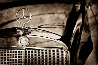 1960 Mercedes-benz 220 Se Convertible Hood Ornament Poster by Jill Reger