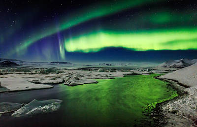 Auroras And Icebergs At The Glacial Poster